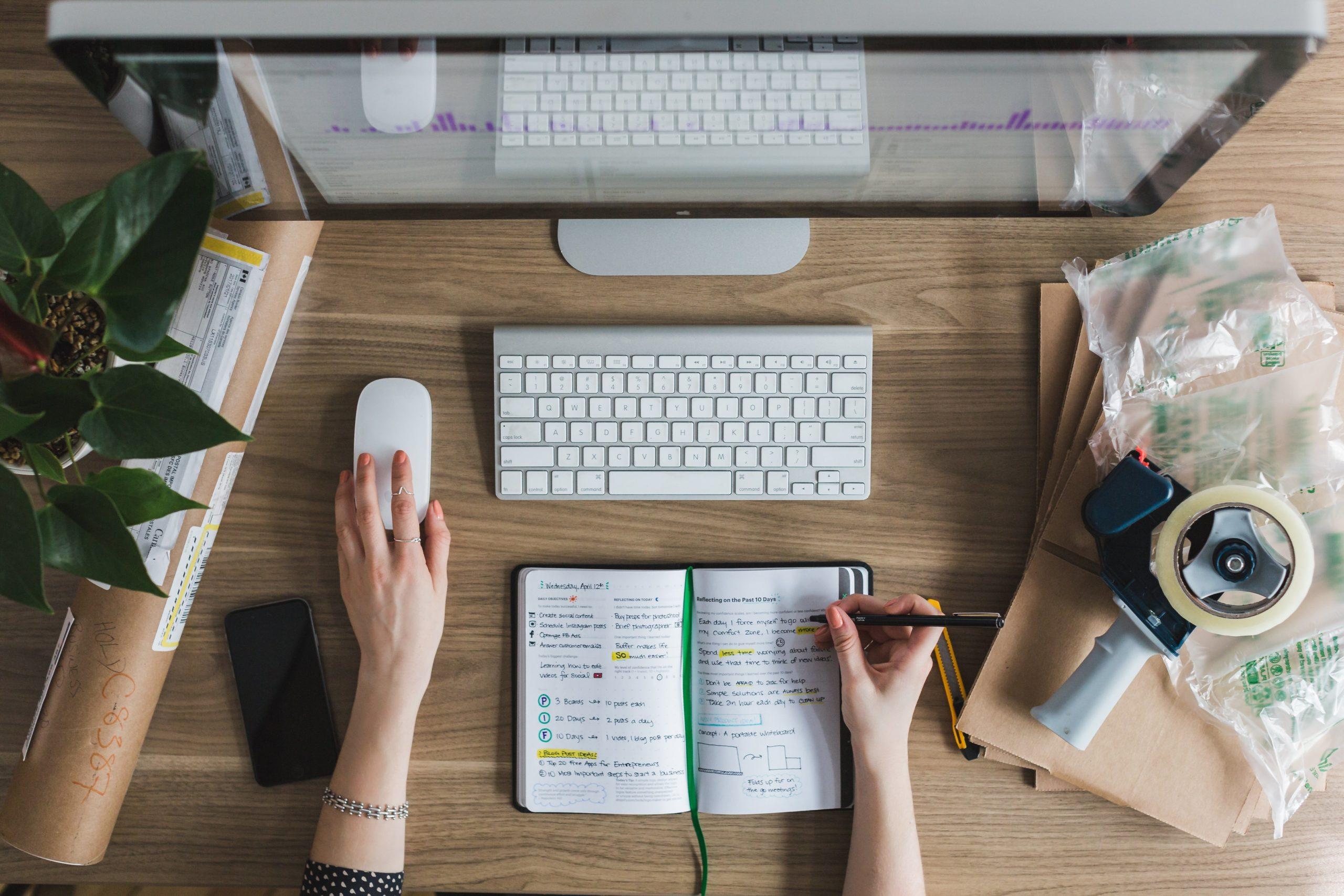multitasking-at-desk
